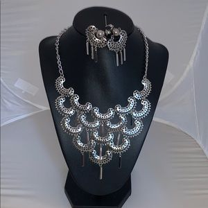 Very cool filigree neckline and earring set
